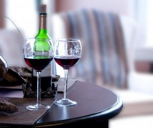 Стихи к подарку вино 7